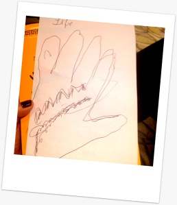 Así dibujó Elena un manos libres mientras jugaba Pictionary