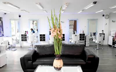 Los sofás de peluquería, rincones perfectos no sólo para esperar. También, para desnudar el alma